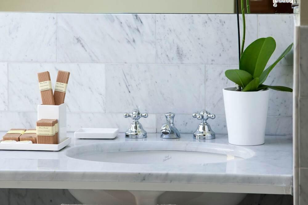 jr-suite-bathroom